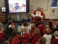 "Nantwich Mayor surprises Shavington pupils as ""mystery reader"""