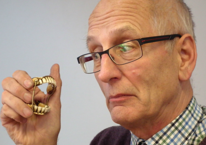 nantwich auctioneers sell gold false teeth