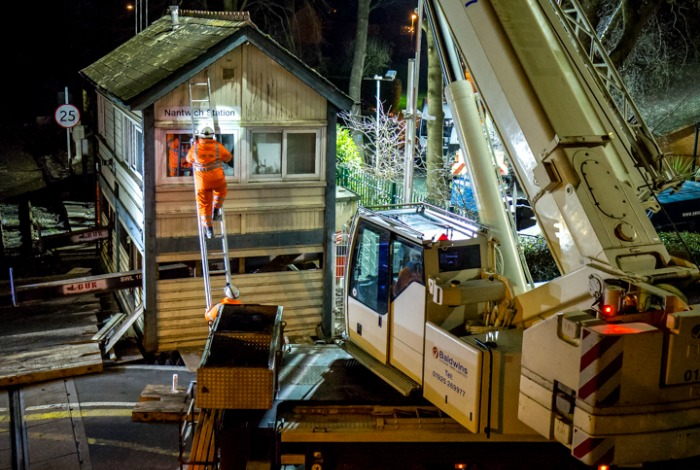 nantwich signal box removal, pic 4