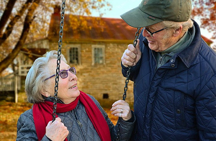 older couple - life expectancy - pic courtesy of pixabay