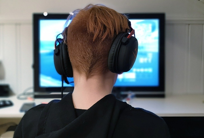 online gaming - pixabay image, free to use