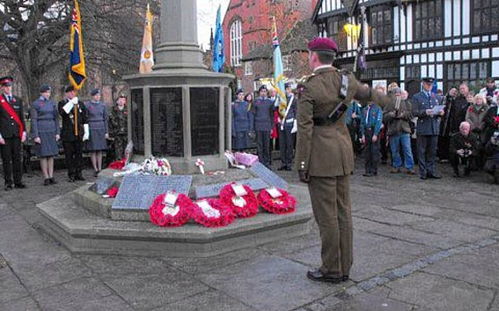 remembrance sunday in nantwich, pic by @policenantwich