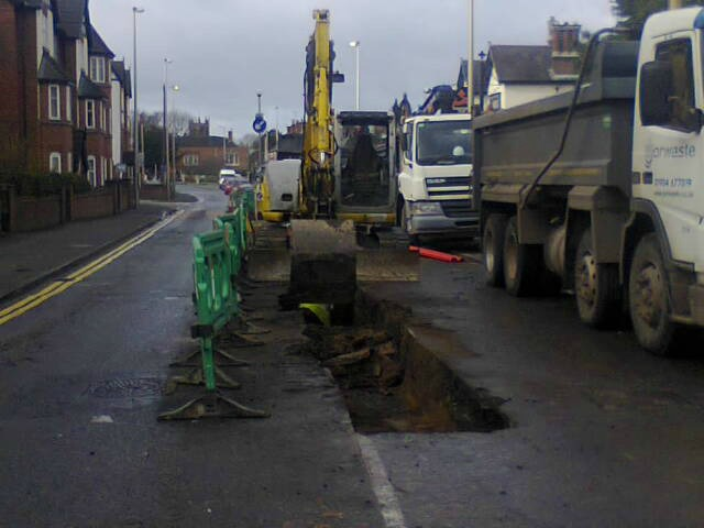roadworks on London Road (pic by Bexx Potter)