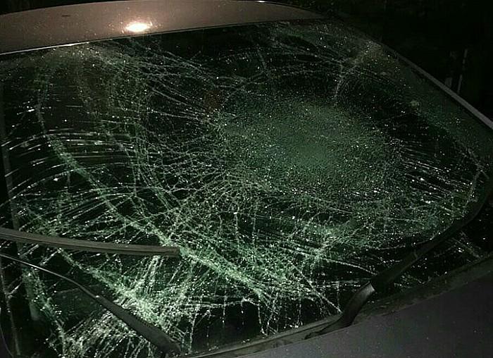 smashed windscreen, Birchin Lane, Nantwich