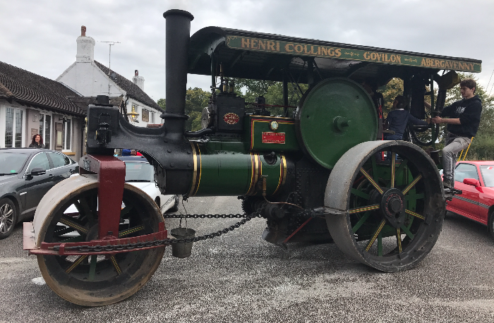 steam roller at vintage transport rally