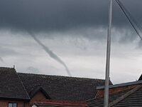 Photographer captures menacing funnel cloud over Nantwich