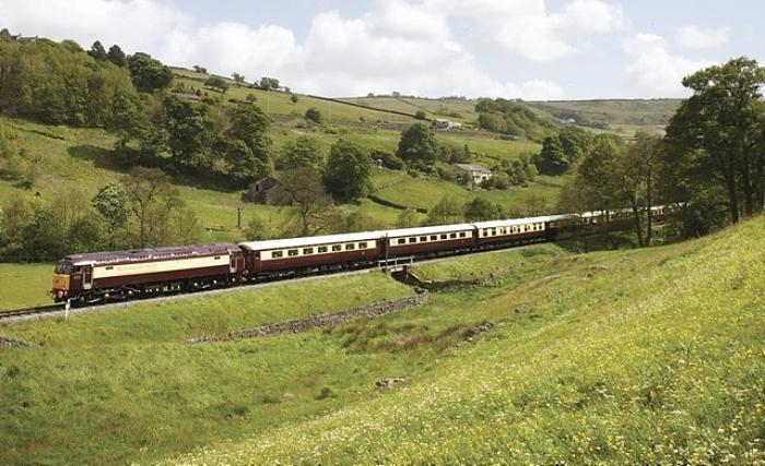 train - Northern Belle