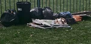 travellers rubbish on barony park