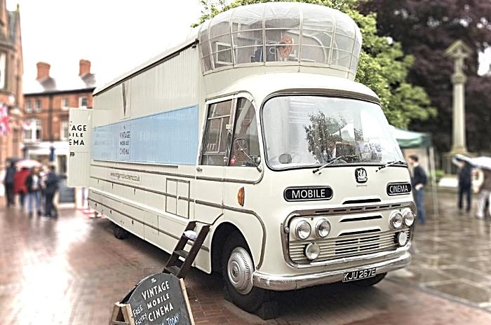 vintage mobile cinema Aubrey
