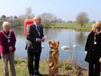 New signs and sculpture unveiled to Nantwich Lake users